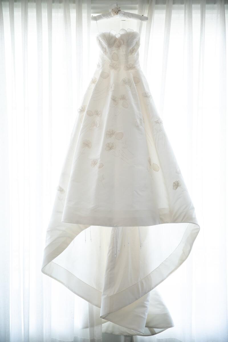 oscar de la renta bridal gown hanging