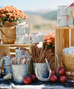 Relaying the Feeling of Fall in Wedding Decorum